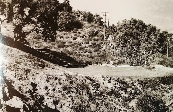 *サンタバーバラの丘陵地に設計されたLa Cumbre CC 1920年開設