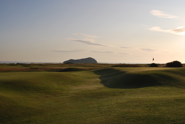 North Berwick GC 16番 Gate Hole Double Plateau